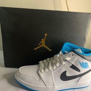 Air jordan 1 mid laser blue us 7 brand new only